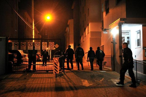 Maior operação da história de Caxias mobiliza 257 agentes na busca por armas, drogas e foragidos Diogo Sallaberry/Agencia RBS