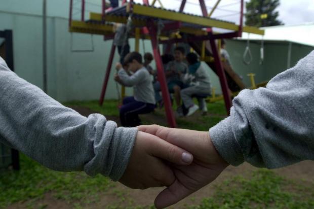 Namoro na escolinha? Psicóloga explica sobre as relações de amizade e amor entre crianças Ricardo Duarte/Agencia RBS