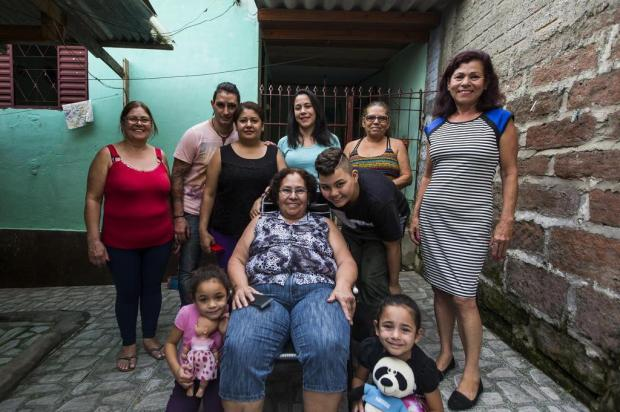 """Conheça a história da mulher que é """"mãe"""" dos irmãos, sobrinhos, netos e filhos Anderson Fetter/Agencia RBS"""