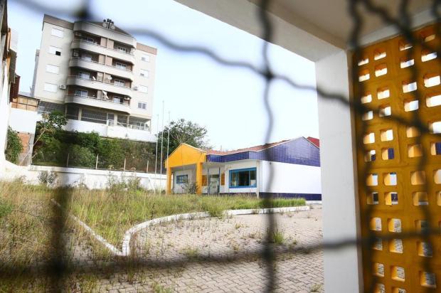 Escola entregue há menos de um ano está abandonada e precisa de reforma para receber alunos em Sapucaia do Sul Lauro Alves/Agencia RBS