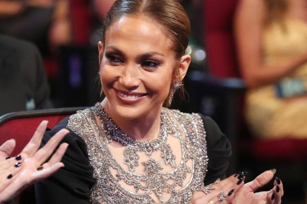 """Em show, Jennifer Lopez afirma que o rapper Drake foi apenas um """"contatinho"""" CHRISTOPHER POLK / GETTY IMAGES NORTH AMERICA / AFP/AFP"""