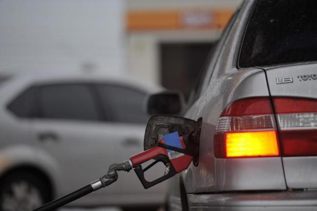 Giane Guerra alerta: veja onde ficam os postos que venderão gasolina a R$ 2 no Estado Lucas Amorelli/New Co DSM