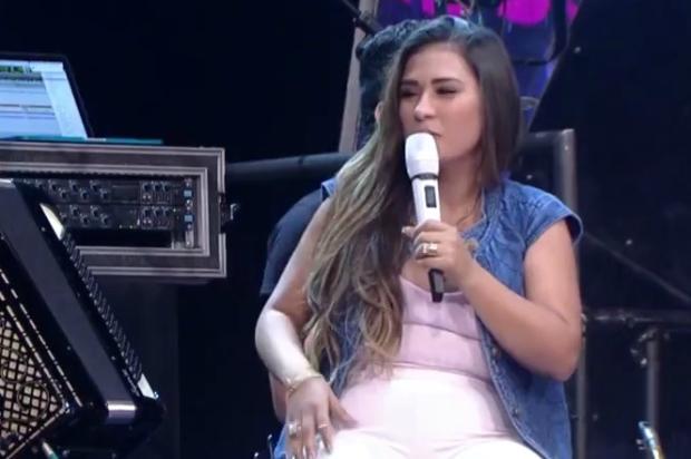 """Simone, da dupla com Simaria, surpreende com pergunta sobre sexo no """"Altas Horas"""" Reprodução / TV Globo/TV Globo"""