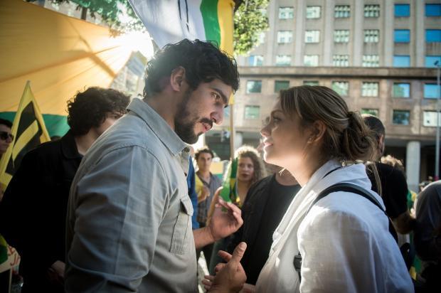 """""""Os Dias Eram Assim"""": Alice desmaia ao reencontrar Renato Raquel Cunha / TV Globo/TV Globo"""
