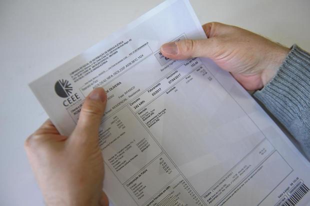 Consumidores vão à Justiça para pedir reembolso do ICMS da conta de luz Luiz Armando Vaz/Agencia RBS