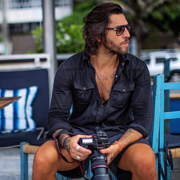 Fotógrafo bonitão seria o pivô do rompimento de Neymar e Bruna Marquezine Instagram / Reprodução/Reprodução