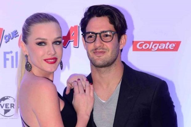 Chega ao fim o namoro deFiorella Mattheis e Alexandre Pato AgNews/AgNews