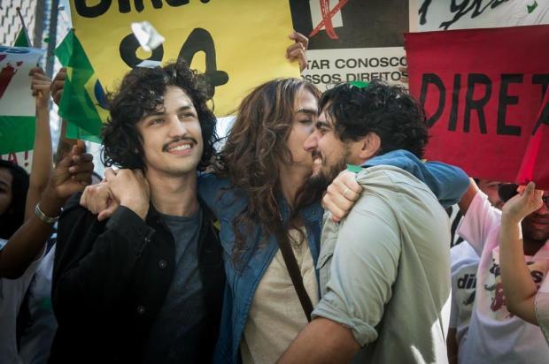 """""""Os Dias Eram Assim"""": Rimena trai Renato com Gustavo Raquel Cunha/TV Globo/Divulgação"""