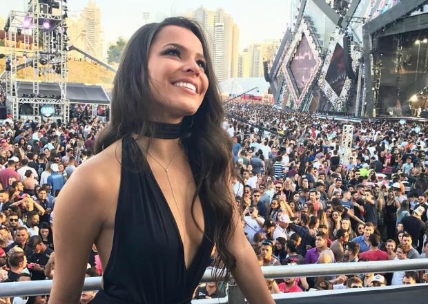 """Emilly Araújo chama participante de pobre em festival de música: """"Eu sou rica"""" Instagram / Reprodução/Reprodução"""