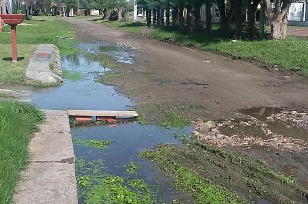 Pagando IPTU de R$ 1,6 mil, moradora de Imbé reclama de falta de estrutura em avenida do centro Arquivo pessoal/Leitor/DG