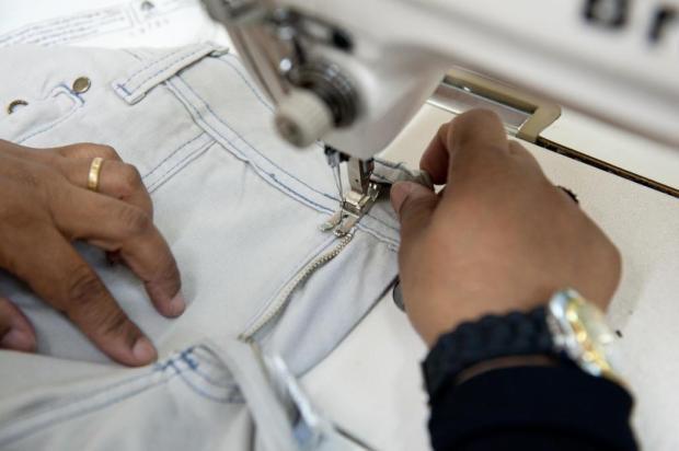 Como participar de curso gratuito de corte e costura Carlos Macedo/Especial