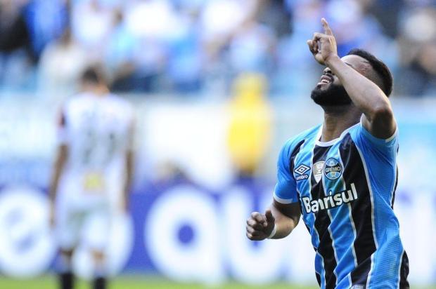Em fim de contrato no Grêmio, Fernandinho desperta interesse do Corinthians Carlos Macedo/Agencia RBS