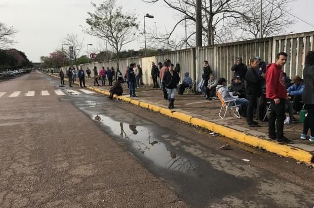 Incerteza na busca de uma vaga de trabalho temporário na Expointer Camilla Pereira/Agencia RBS