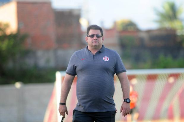 """Zé Victor Castiel: """"Treino para furar os esquemas tranca rua"""" Ricardo Duarte / Inter, Divulgação/Inter, Divulgação"""