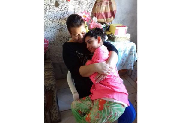 Com microcefalia, jovem precisa de ajuda para comprar cadeira de rodas Arquivo Pessoal / Leitor/DG/Leitor/DG