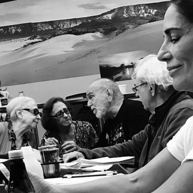 """Reunião de veteranos chama a atenção nos bastidores de """"O Outro Lado do Paraíso"""" Instagram / Reprodução/Reprodução"""