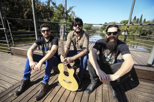 VÍDEO: Na região do baile, músicos da The Bozos apostam tudo no rock de raiz Bruno Alencastro/Agencia RBS