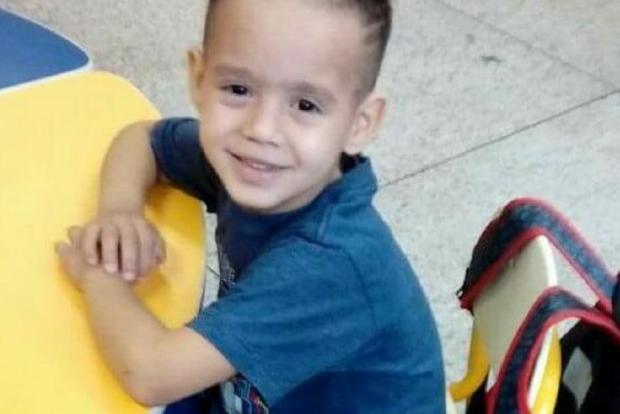 Criança espera há dois anos por cirurgia, em Alvorada Arquivo Pessoal / Leitor/DG/Leitor/DG