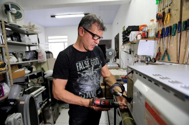Saiba o que levar em conta antes de mandar eletrodomésticos para conserto Bruno Alencastro/Agencia RBS