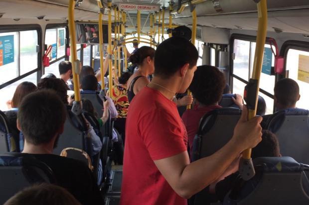 Entenda por que os ônibus de Porto Alegre não ligam o ar-condicionado Ronaldo Bernardi / Agência RBS/Agência RBS