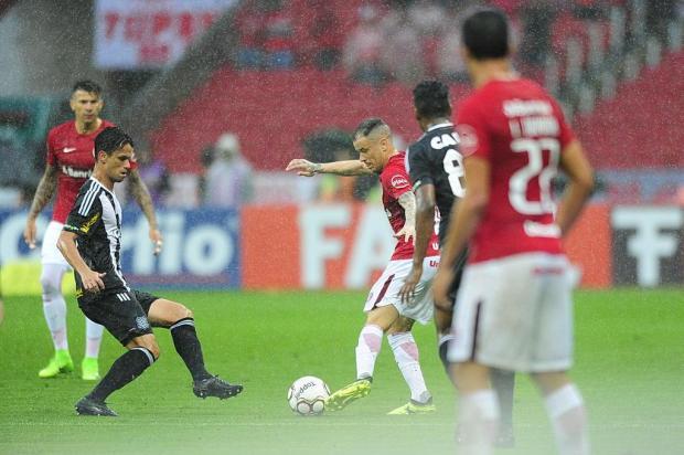 """Zé Victor Castiel: """"Dourado e D'Ale mostraram por que fazem tanta falta ao Inter"""" Carlos Macedo/Agencia RBS"""