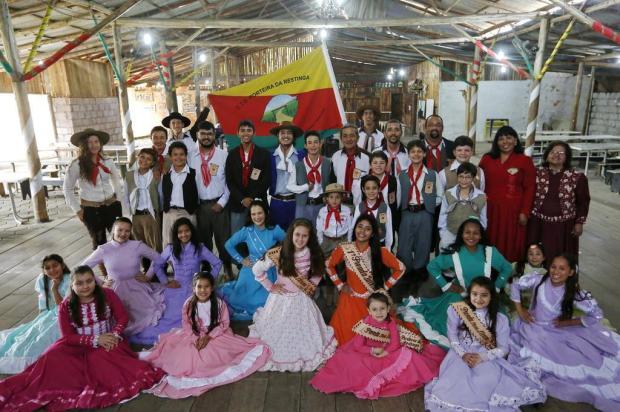 Comunidade reconstrói CTG do Bairro Restinga Mateus Bruxel/Agencia RBS