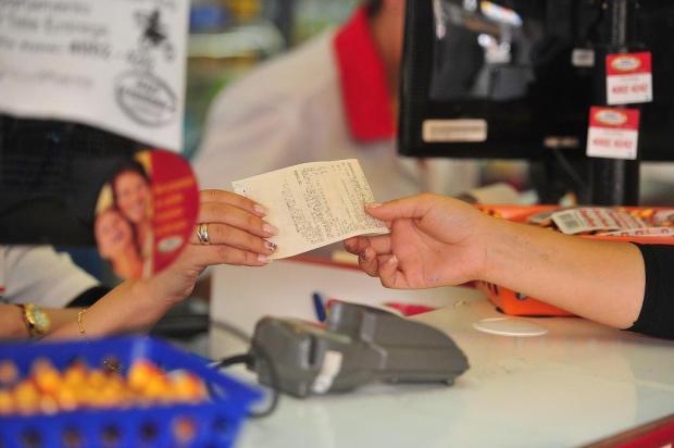 Prazo de habilitação ao desconto do IPVA 2018 vence no fim do mês Ronald Mendes/Agencia RBS