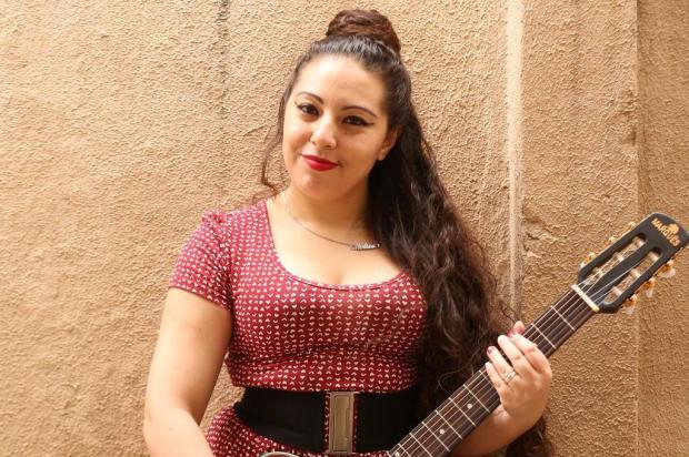 Conheça Mell Costa, cantora que defende os direitos das mulheres em suas músicas André Feltes/Especial
