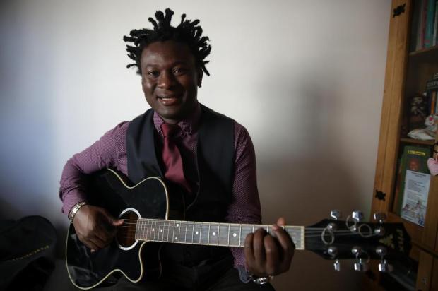 """Depois de criar versão em francês do """"Canto Alegretense"""", haitiano lança CD na Capital Tadeu Vilani/Agencia RBS"""