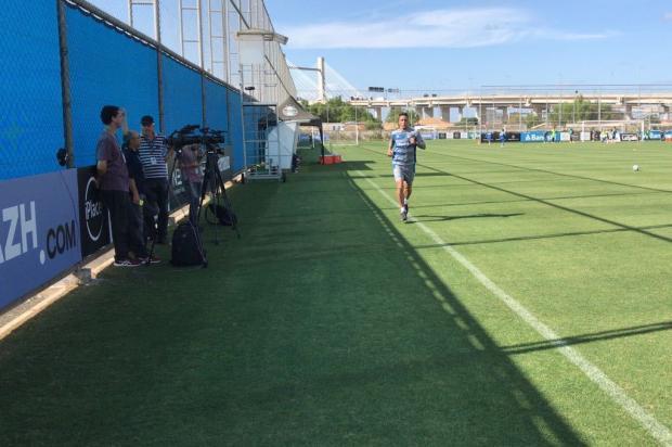 Em recuperação de lesão, Barrios corre no gramado do CT Sérgio Boaz / Agência RBS/Agência RBS