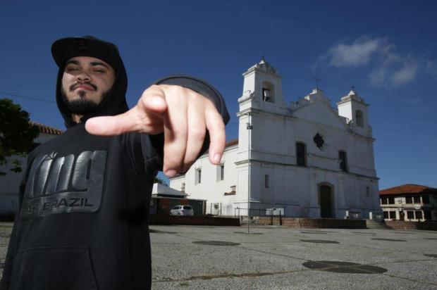 Conheça Eric Jay, da Vila Elza, de Viamão, que aposta em letras profundas Tadeu Vilani/Agencia RBS