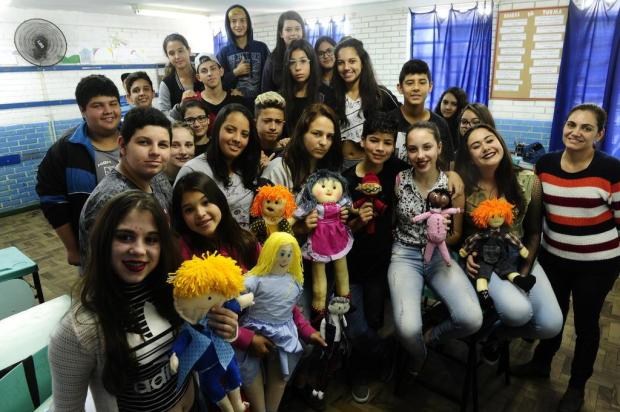 Professora cria projeto com bonecos para debater bullyng em sala de aula Ronaldo Bernardi/Agencia RBS