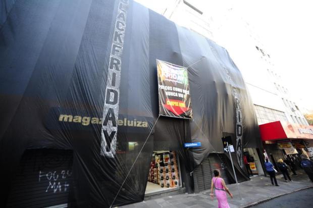 Black Friday: veja imagens da manhã de promoções em Porto Alegre Ronaldo Bernardi/Agência RBS