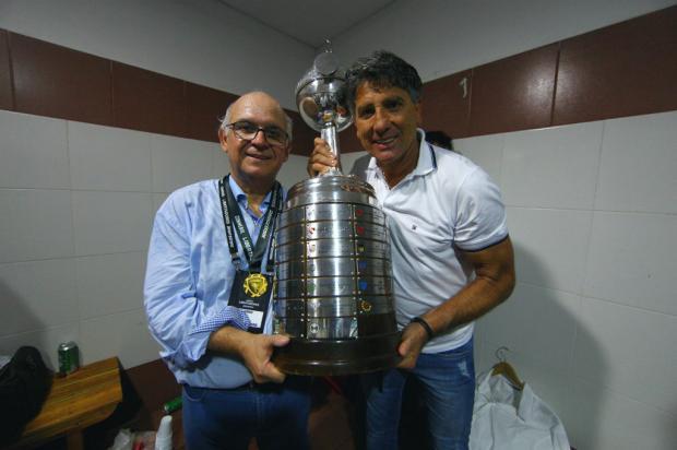 Zé Alberto: o que Renato precisa aprender com Romildo Lucas Uebel / Grêmio/Divulgação/Grêmio/Divulgação