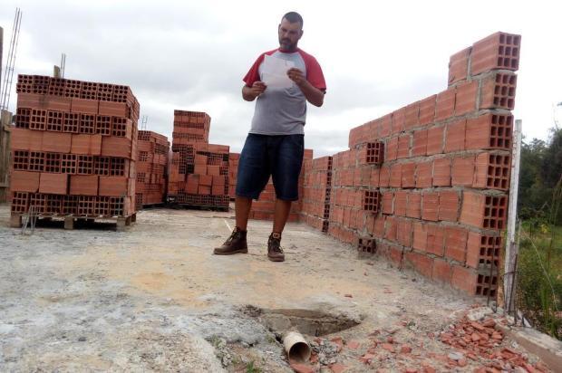 Sequência de furtos impede construção de casa na zona norte de Porto Alegre Eduardo Torres/Diário Gaúcho
