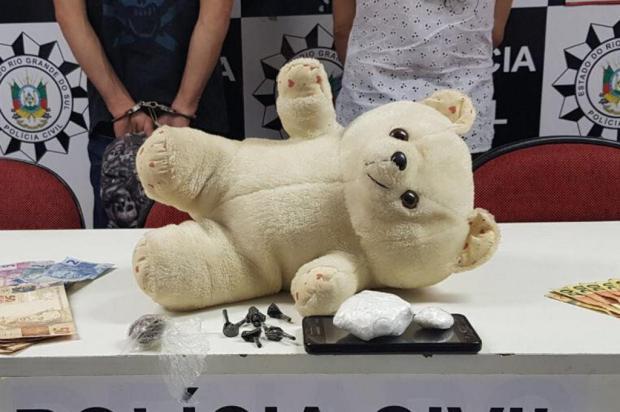 Traficantes usavam urso de pelúcia para armazenar e transportar drogas na Região Metropolitana Polícia Civil/Divulgação