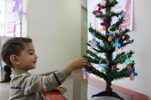 Veja como aproveitar a chegada do Natal para incentivar as crianças a largarem o bico Daniela Rocha Lima/divulgação