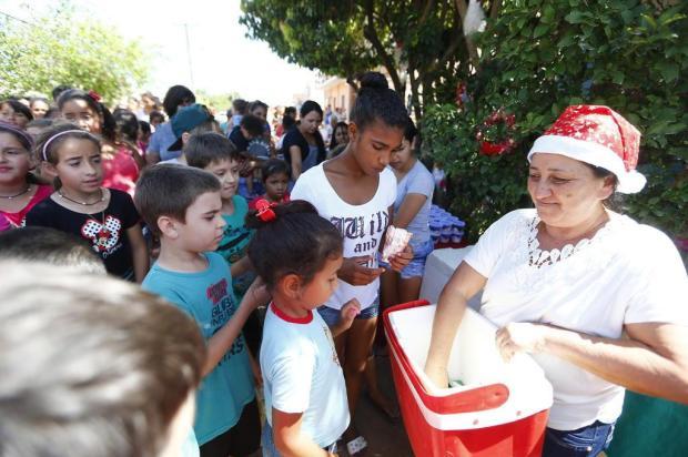 Mamãe Noel de Alvorada organiza festa para mais de 300 crianças Félix Zucco/Agencia RBS