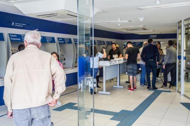 Quinta-feira será o último dia para ir ao banco em 2017 André Feltes/Especial