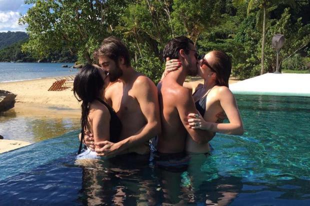 Tatá Werneck e Marina Ruy Barbosa passam Réveillon beijando muito seus amados Instagram/Reprodução