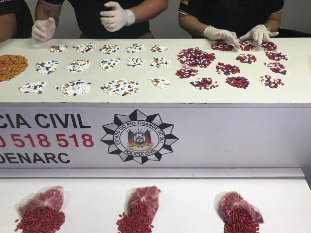 Polícia apreende 10 mil comprimidos de ecstasy na rodoviária de Tramandaí Polícia Civil  / Divulgação/Divulgação