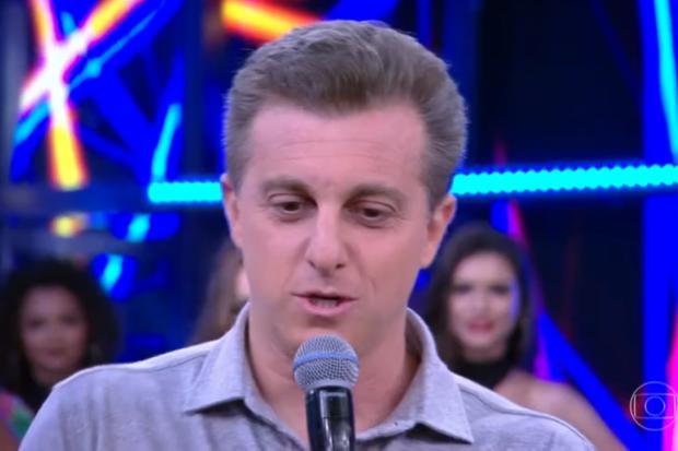 """""""Contem comigo para tentar ajudar a mudar essa bagunça geral que está aqui"""", diz Luciano Huck TV Globo / Reprodução/Reprodução"""