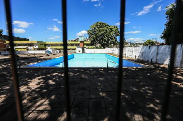 Piscina fechada do Cecopam será visitada pelo vice-prefeito André Ávila/Agencia RBS