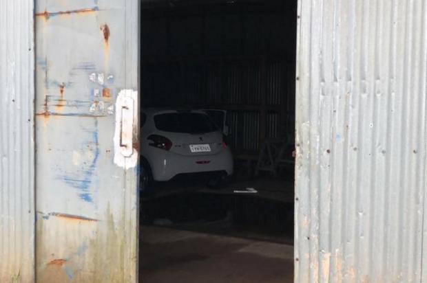 Dois criminosos são mortos pela BM enquanto clonavam carro roubado em Canoas Divulgação/Brigada Militar/Divulgação