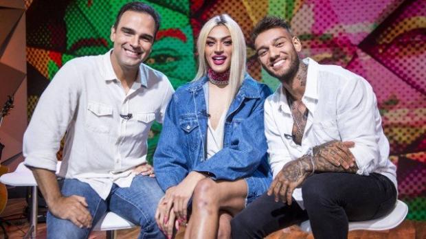 """Pabllo Vittar fala sobre parceria com Lucas Lucco: """"Adorei o convite por ser uma letra de amor"""" João Cotta/Fantástico / Globo/Globo"""