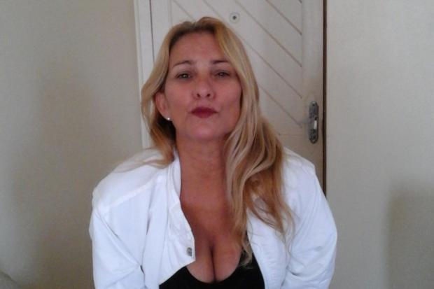 Mulher é encontrada morta com sinais de agressão e asfixia em apartamento em SC Arquivo pessoal / Reprodução Facebook/Reprodução Facebook