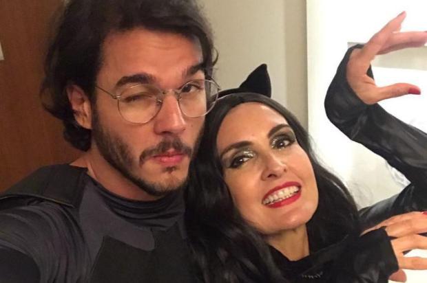 """""""Bota sua Mulher-Gato para fora"""", diz Fátima Bernardes sobre sua fantasia de Carnaval Instagram/Reprodução"""
