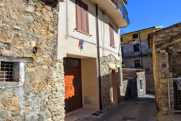 Casas são vendidas a 1 euro no interior da Itália Reprodução / Prefeitura de Ollolai/Prefeitura de Ollolai