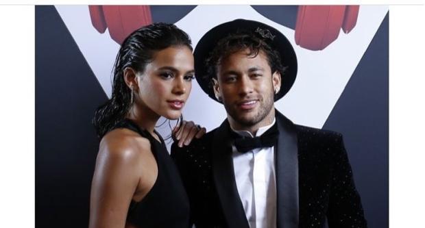 Choro e dança com Bruna Marquezine: o festão de aniversário de Neymar Reprodução / Instagram/Instagram