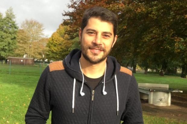 """Evaristo Costa ironiza campanha da Globo que pede para que telespectadores gravem """"vídeos deitados"""" Instagram/Reprodução"""